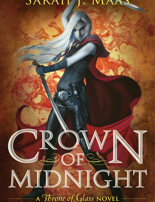 What happened in Crown of Midnight? (Throne of Glass #2)