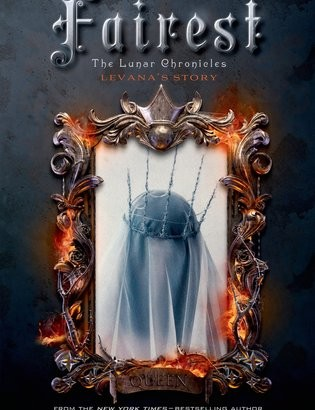 What happened in Fairest? (The Lunar Chronicles #3.5)