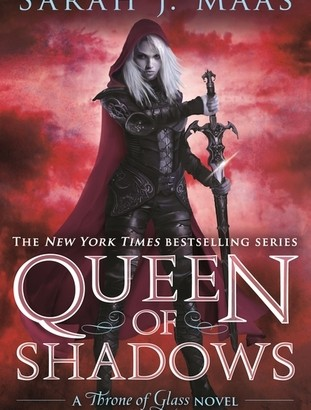 What happened in Queen of Shadows? (Throne of Glass #4)